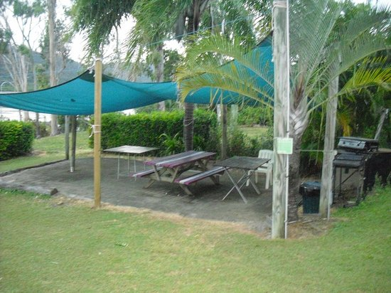 Backpackers by the Bay: BBQ area