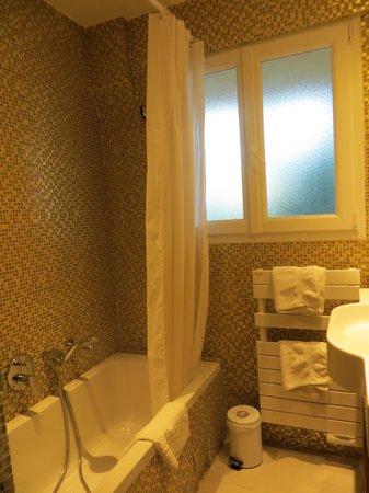 Best Western Plus Montfleuri : Banheiro