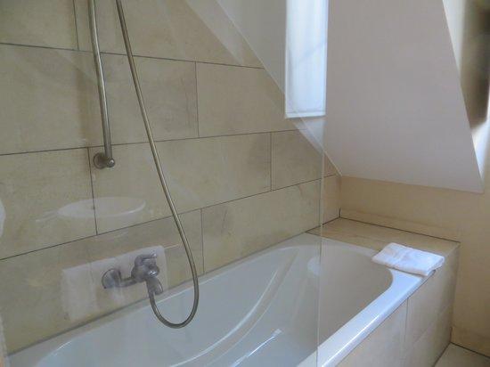 Classic Hotel Harmonie : Banheiro