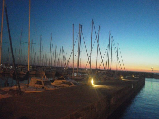 Tavernetta al Molo: vista sul mare dal tavolo del ristorante