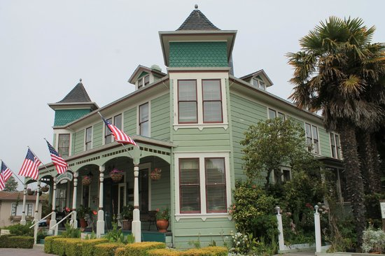Centrella Inn: Victorian house from 1880's.