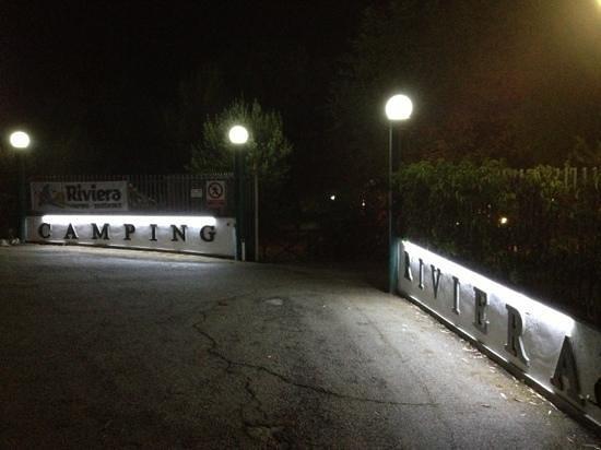 Camping Riviera Village: l'ingresso