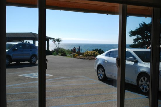 Cambria Shores Inn: Limited Ocean View