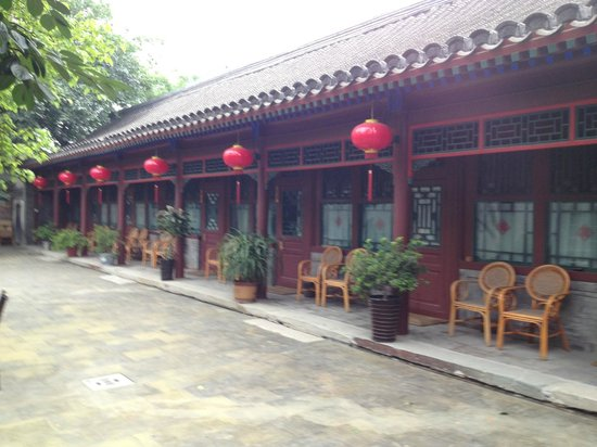 Courtyard 7: Outside the standard rooms