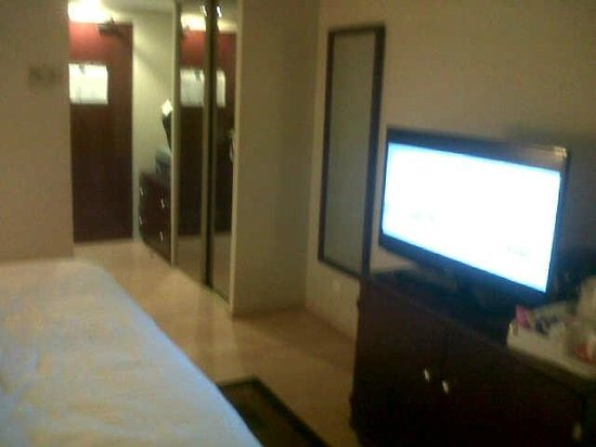 Sheraton Lagos Hotel: big screen tv