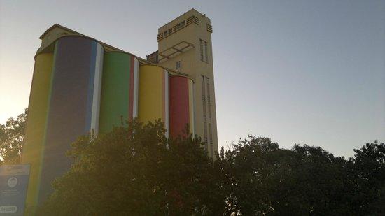 Silos Davis museo de arte contemporaneo