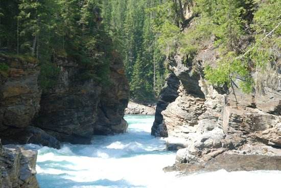 Discover Wells Gray : The reward for our hike - the gorge.