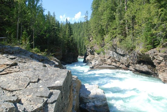 Discover Wells Gray : The view from where we ate our picnic.
