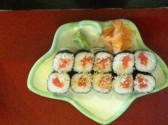 Yamamoto Restaurant: 鉄火巻き 80ペソ