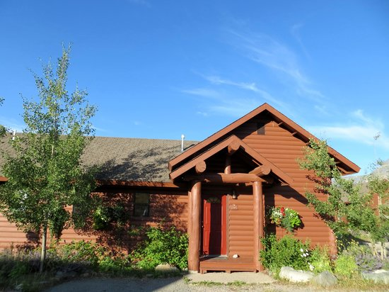 Glacier Pinnacle Cottages: our cabin