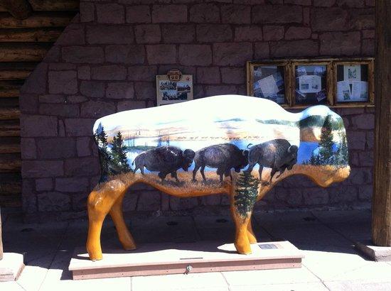 Three Bear Restaurant: Buffalo to greet you