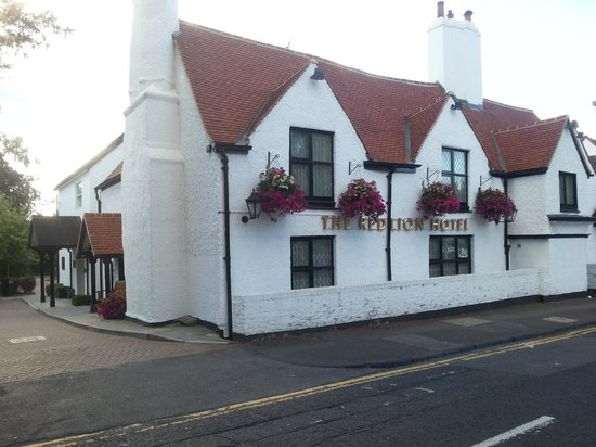 The Red Lion Hotel Entrance