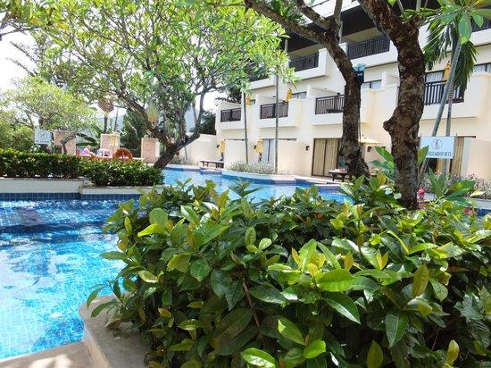 Horizon Karon Beach Resort & Spa: Privilege Club Wing swimming pool