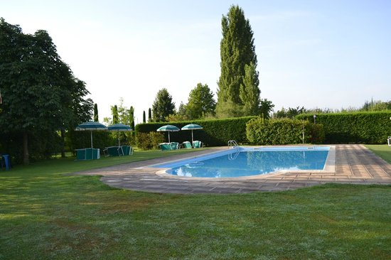 Podere Le Manzinaie: The Pool.
