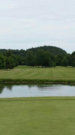 Greenbrier, TN: Hole 2