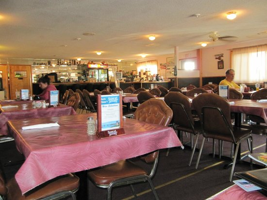 Uncle Kippy's: Dinning Room