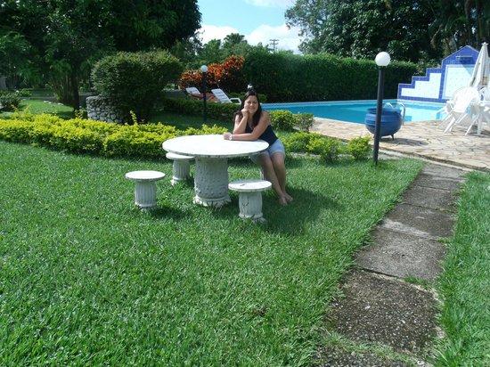 Pousada do Lago: piscina de água natural