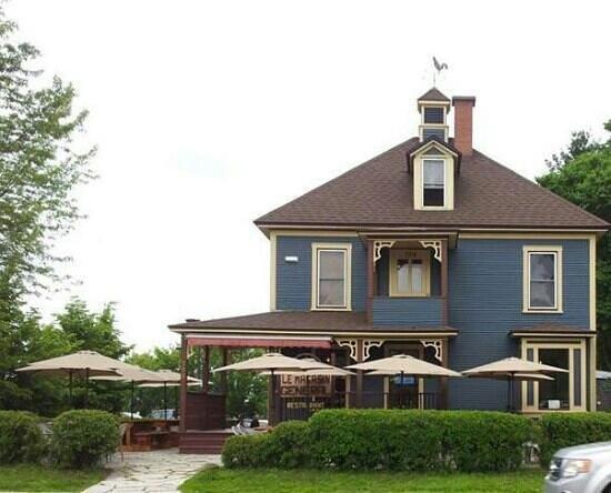 Bromont, Canada: restaurant le magasin général