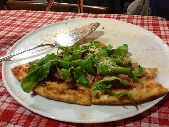 Golfo Di Napoli: Pizza Porchetta (bacon, rucula, Parmesan and mozzarella)
