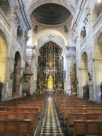 Parroquia de San Isidoro El Real: Vista del interior.