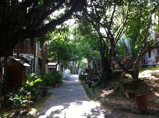 Long Beach Resort Phu Quoc: le camere inserite nel lussureggiante giardino