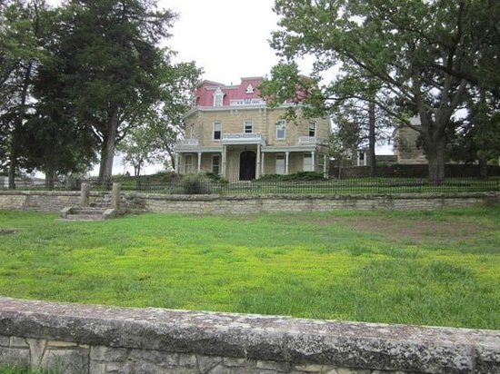 Tallgrass Prairie National Preserve: Spring Hill Estate