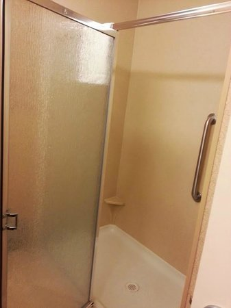 Hampton Inn & Suites Casper: Shower