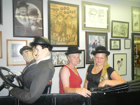 The Laurel and Hardy Museum of Harlem, Georgia: You can put hats on and take photos