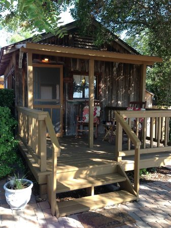 The Blue Heron Guest House: Porch
