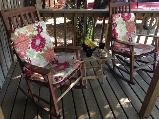 The Blue Heron Guest House: Rocking Chairs