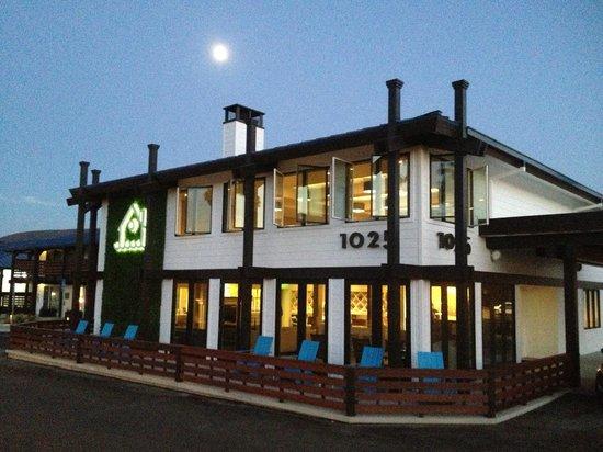 Lakehouse Restaurant Lakewood Ohio