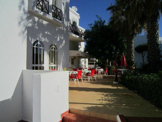 Tavira Garden : The outside area of the cafe bar/restaurant