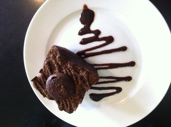 Penguin Stop Cafe: Yummy chocolate mud cake