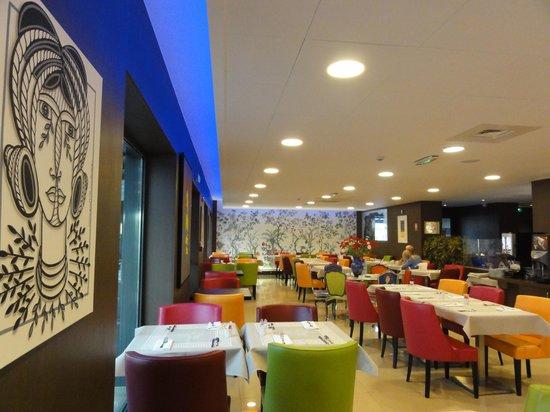 Hotel Roi Soleil Prestige : relaxed breakfast