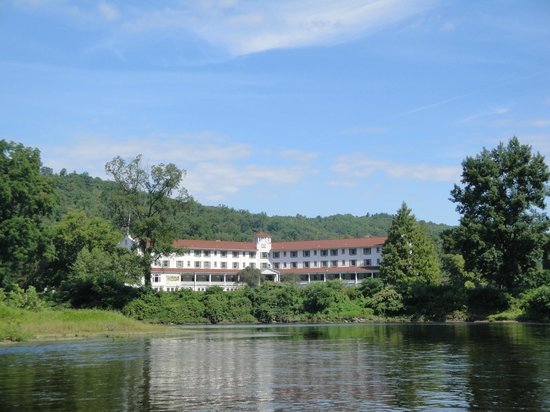 The Shawnee Inn and Golf Resort: View from the River