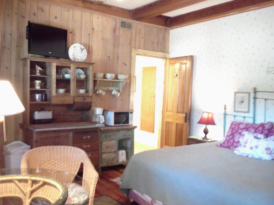 PIne Rest Cabins , Cottage Suite #10