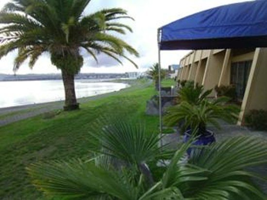 Oasis Beach Resort : View from veranday