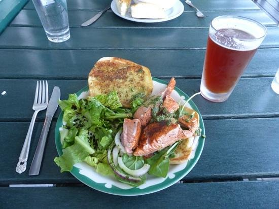 The Larkspur Cafe: Grilled King salmon sandwich