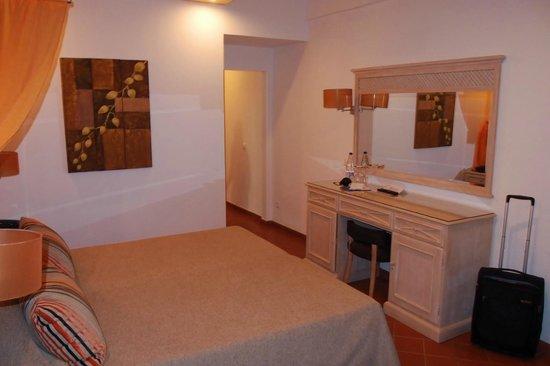 Hotel do Cerro : Spaciuos room