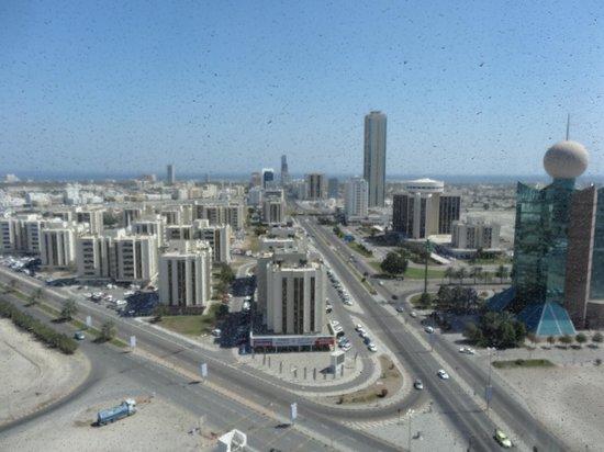 Nour Arjaan by Rotana - Fujairah: View towards the corniche