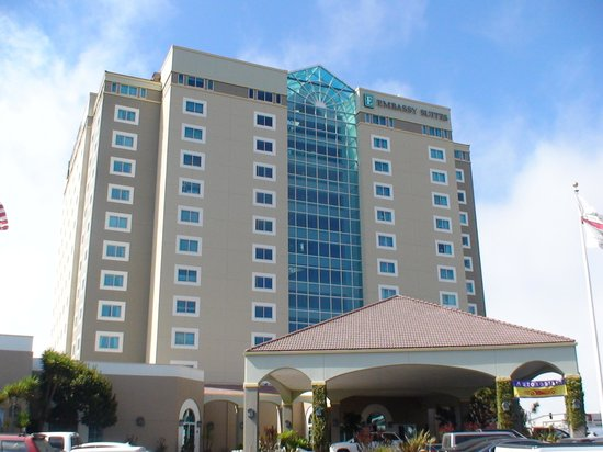 Embassy Suites by Hilton Hotel Monterey Bay - Seaside: 外観