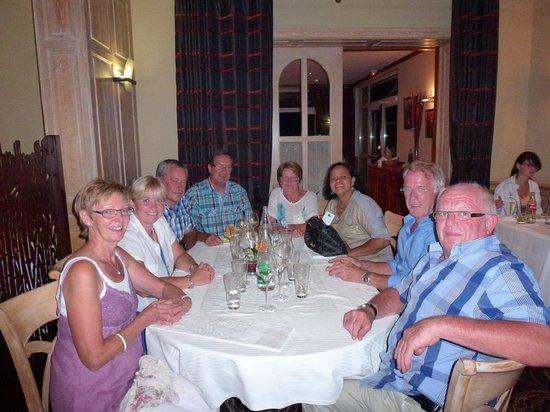 Hotel Restaurant Spa Verte Vallee : Surprise lors de l'anniversaire de mon mari le gâteau était offert par la maison