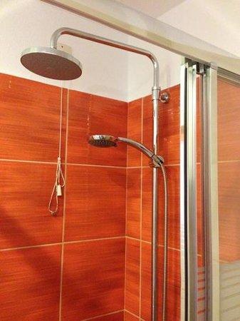 Anatoli Hotel : doccia doppia