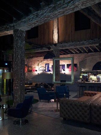 Ovolo 1888 Darling Harbour: lobby/bar/restaurant