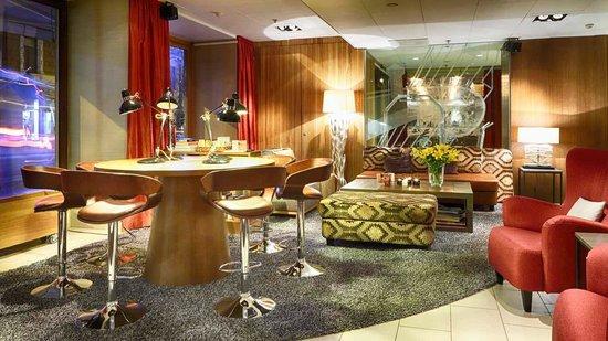 Klaus K Hotel: LIVINGROOM