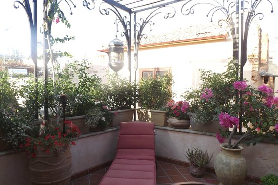 Ionas Boutique Hotel: 2nd Floor Terrace