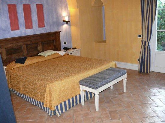 Park Hotel Villa Belvedere: Wimmer im Erdgeschoss mit Terrasse