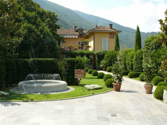 Park Hotel Villa Belvedere: Hotelzufahrt mit Rezeption
