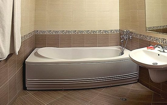 Hotel Rahovets: Bath thubs VIP rooms