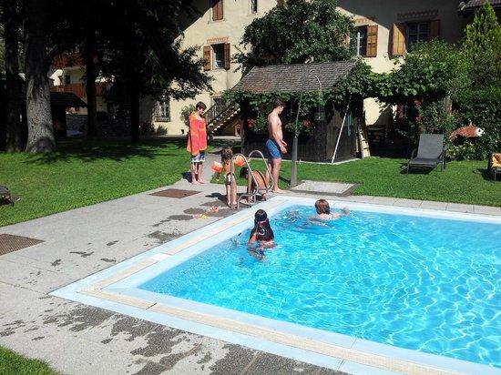 Residence Schnatzhof: La piscina